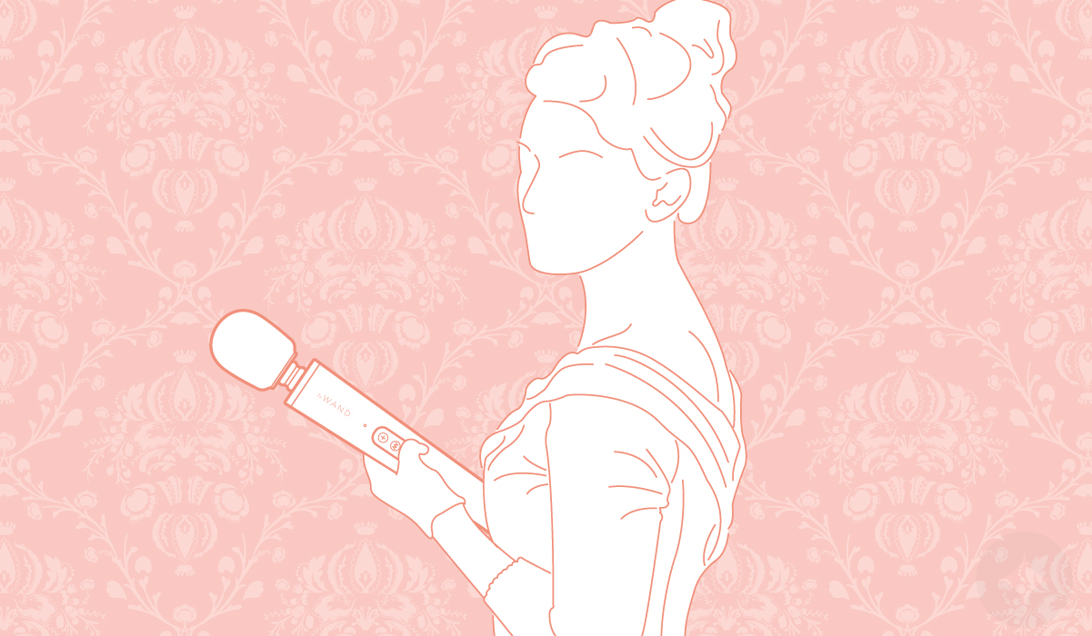 woman holding le wand massager